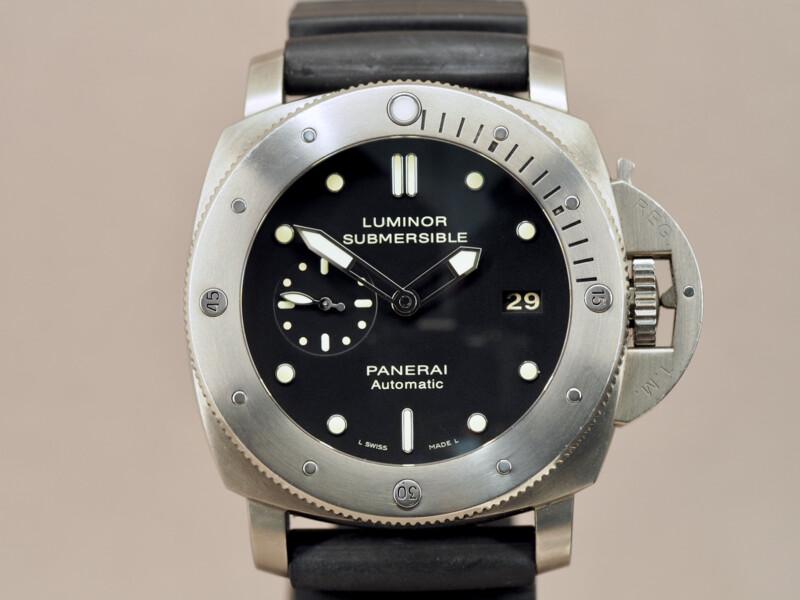 Panerai Submersible PAM00305